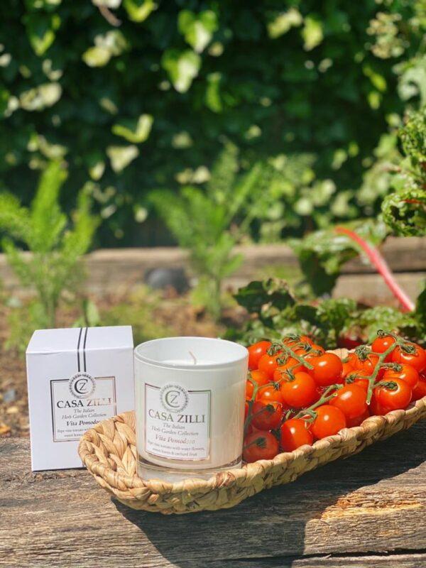 Vita Pomodoro candle with tomatoes